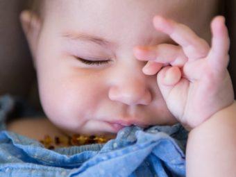 छोटे बच्चों का आंखें रगड़ना: कारण व रोकने के टिप्स | Baby Rubbing Eyes In Hindi