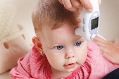 बुखार के बिना बच्चे का सिर गर्म क्यों रहता है? | Baby's Head Hot, But No Fever In Hindi